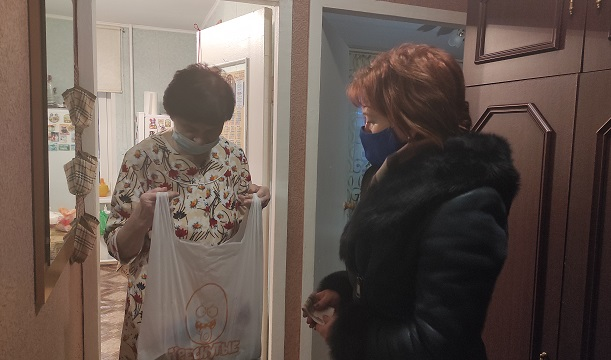 Глава поселения Юлия Стражникова приняла участие в акции #мывместе
