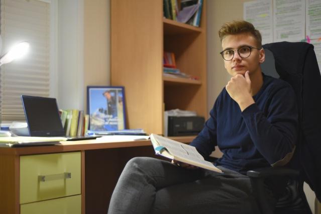Три конкурсанта из Троицкого и Новомосковского округов заняли призовые места в конкурсе «Лица района»